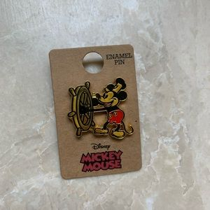 New Disney Mickey Mouse Steamboat Willie Pin